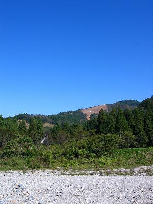 ぽかぽかの秋晴れです@魚沼産コシヒカリの田んぼ