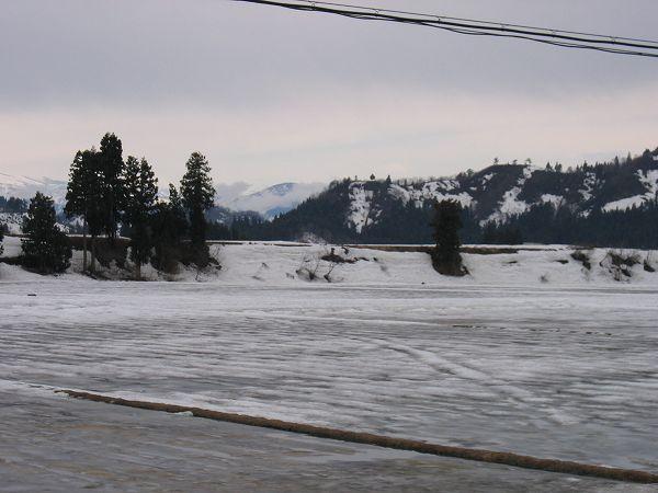 雪解けがかなり進みました@魚沼産コシヒカリの田んぼ by IXY DIGITAL 400
