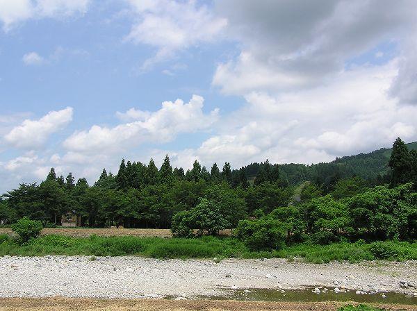 水量が減ってきた真夏の水無川