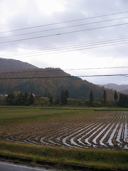 新潟県南魚沼市は雨で気温が低いです