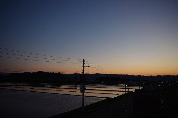 日が沈んだ後の空がきれいでした