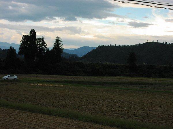 今朝は不思議な風が吹いています - 魚沼産コシヒカリの田んぼ@新潟県南魚沼市