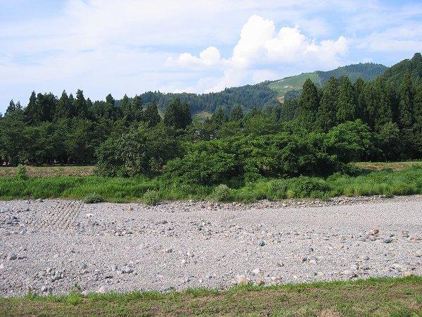 8月に入って水無川が枯れました