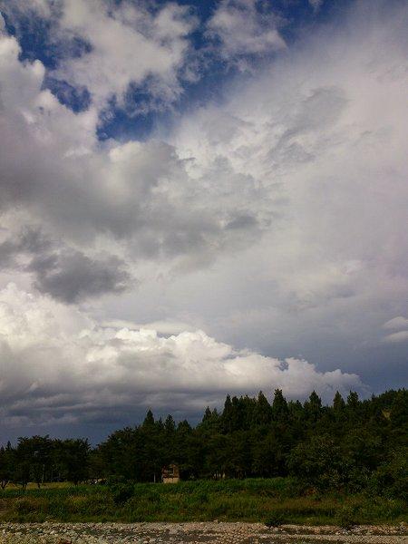 今日もまた不思議な空模様です