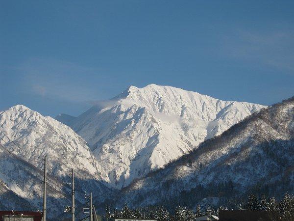 新潟県南魚沼市は青空が広がってすばらしい雪景色になりました