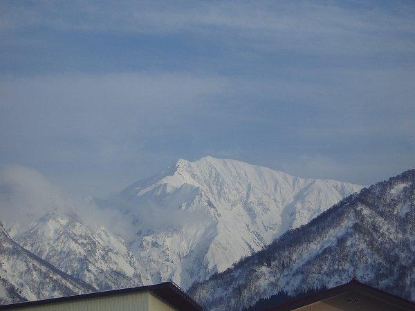 駒ケ岳の雪景色 ~ 新潟県南魚沼市は午後になってから天気がよくなってきました