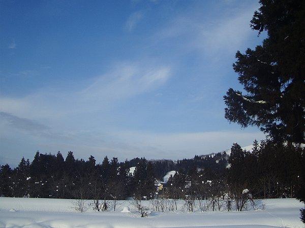 水無川の風景 ~ 新潟県南魚沼市は午後になってから天気がよくなってきました