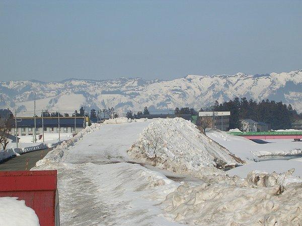 水無川の雪捨て場のスロープ