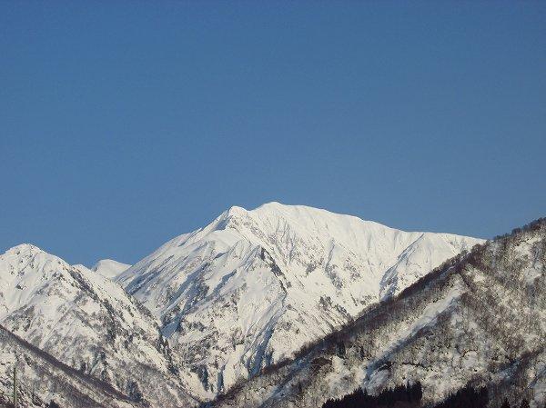 夕日を浴びた3月の駒ケ岳