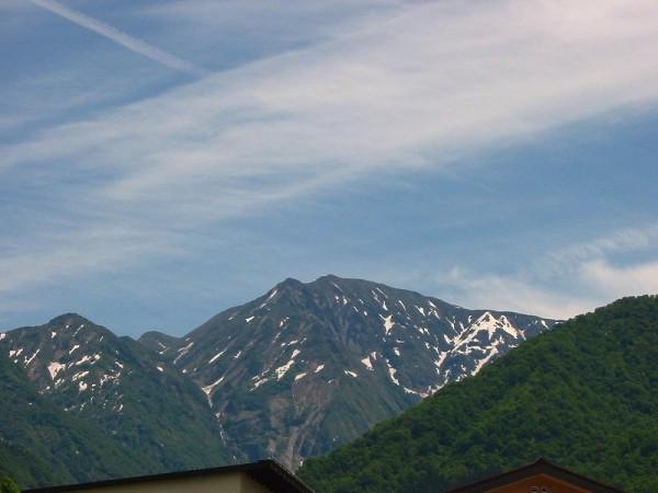 今日の駒ケ岳 ~ 新潟県南魚沼市は青空が広がっていい天気です