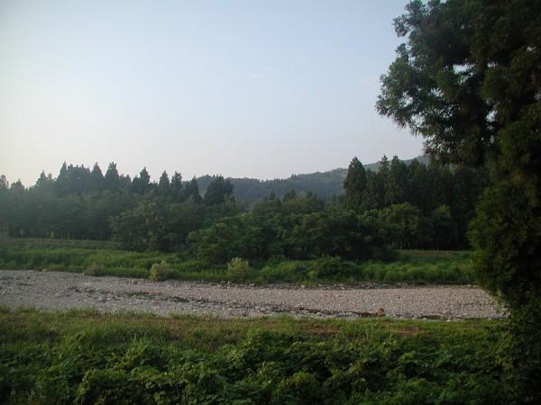 水無川が枯れてきて真夏に突入です