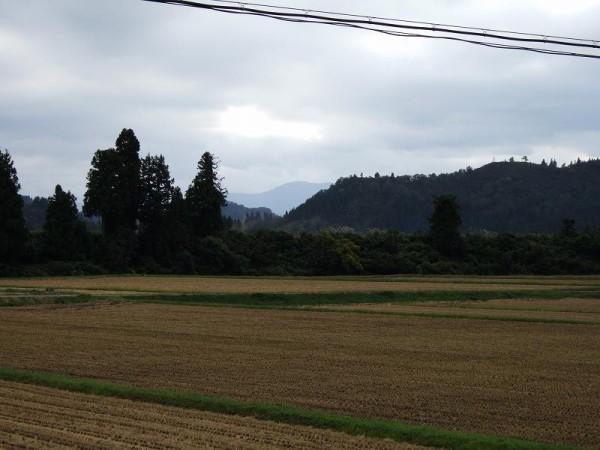 稲刈り時期が過ぎた魚沼産コシヒカリの田んぼ