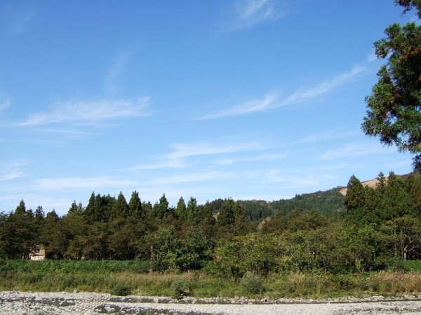 新潟県南魚沼市は快晴の秋晴れです