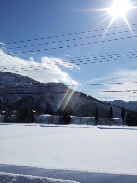 午前は吹雪、お昼にはぽかぽかのお日様