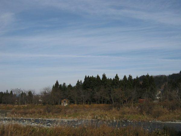 11月末日の水無川